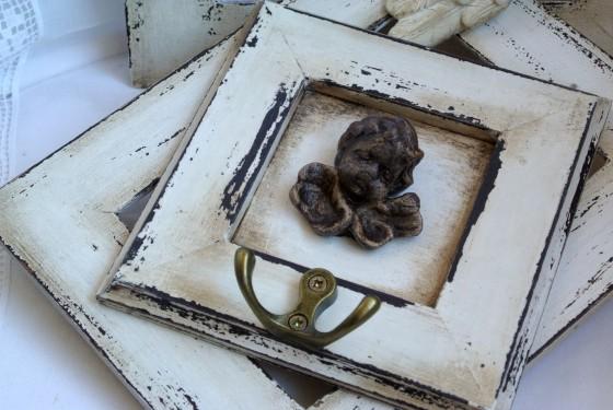 patinovaný rámeček s věšáčkem
