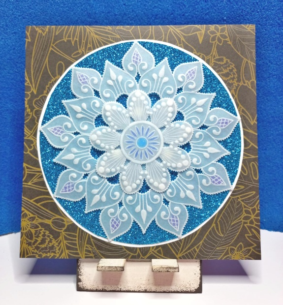 papírová krajka mandala
