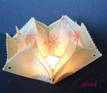 papírová krajka svícen