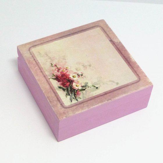 růžová krabička