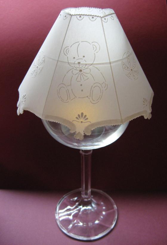 papírová krajka kryt na svícínekvídkem